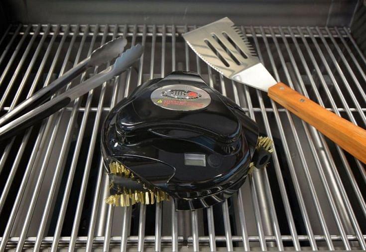 Soutěž o Grillbot Red - robotický čistič grilů