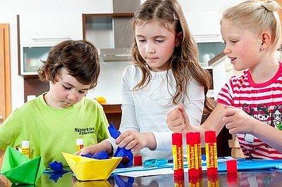 SOUTĚŽ: Vybíráme bezpečné lepidlo pro děti do školy