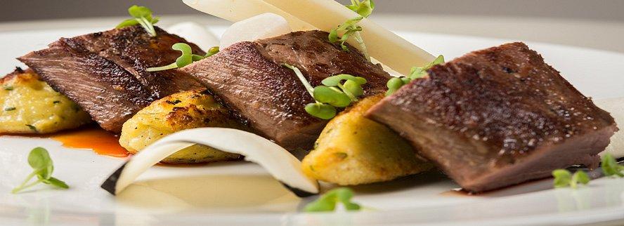 Vyhrajte dárkový poukaz na 6-ti chodové degustační menu pro dva v zámecké restauraci
