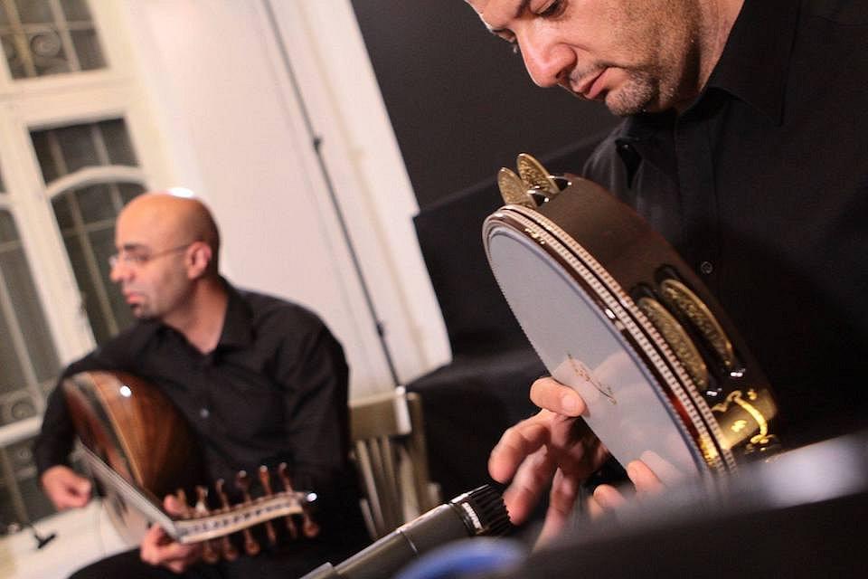SOUTĚŽ o dvě vstupenky na koncert dua Tareq Jundi a Nasser Salameh