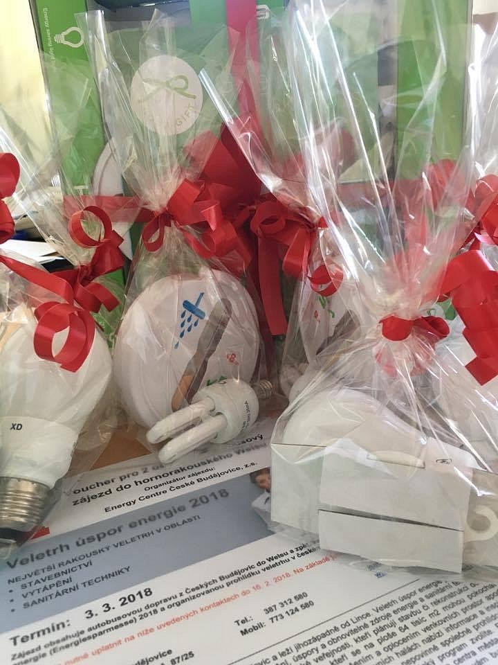 Soutěž o zájezd do Welsu, úsporné žárovky a další ceny
