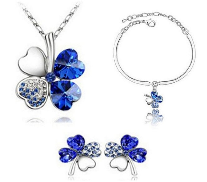 Soutěž o set šperků se čtyřlístkem
